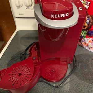 Keurig Kitchen - Keurig classic READ DESCRIPTION
